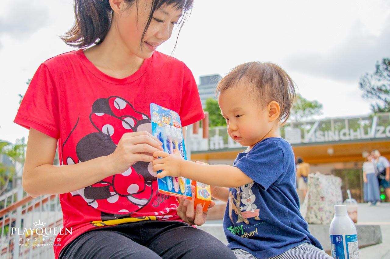 齒妍堂兒童牙刷│汪汪隊立大功兒童萬毛牙刷、無氟牙膏、兒童漱口水,讓寶寶愛刷牙的秘密